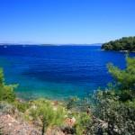Sali: A bay nearby