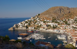 Hydra: Harbour view with yachts rafted out as usual on the north quay of this busy port