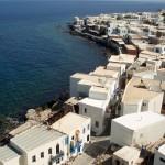 Mandraki (Nisyros): Houses crowd the waters edge