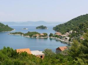 Prozura: The islets in the bay