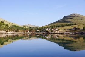 Statival, Otok Kornat, Croatia: Beautiful anchorage reflects the tiny village