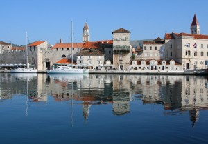 Trogir: Yachts on the quay in front of the South Town Gate and Monastery