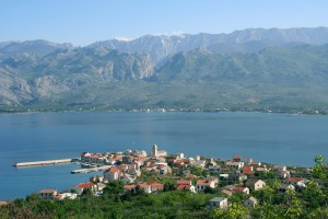 Vinjerac: The town, with it's origins in Roman times, with the mountains behind