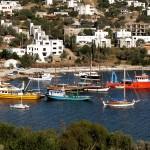 Yalikavak: Fishing boats and yachts moored up
