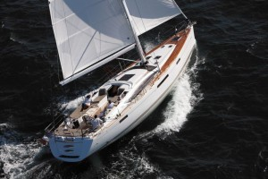 Take a skipper on a Jeanneau 57