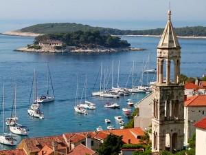 Dalmatia flotillas: scenery, history, sunshinse and sailing