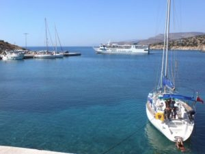 Schinoussa: The ferry from Naxos and the yacht quay