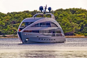 Crewed charters as available on modern motor yachts as well as traditional sailing vessels