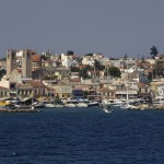Aegina: Harbour entrance with the small white chapel
