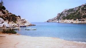 Poros: Vagionia beach on the north side of the island
