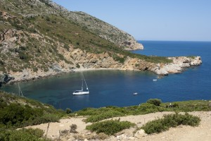 Krya Panagia: Yachts anchored in the pretty and unspoilt bay of this island nature reserve