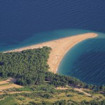 Bol: The town's best known landmark, the beach at Zlatni Rat, 1nm west of the harbour