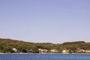 Brgulje: The village in the long inlet of Brguljski Zaljev