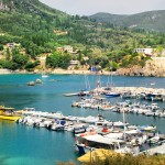 Paleokatritsa: A few yachts squeeze in the harbour amongst the fishing boats and motor vessels