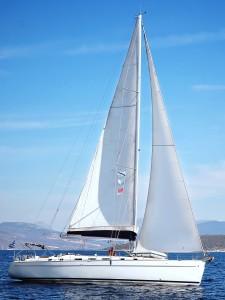 Cabin charter offers the luxury of big yacht sailing without the responsibility