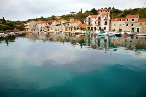 Drvenik Veliki: Houses line the quay of this small fishing village