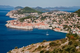 Dubrovnik: The town, city walls and harbour