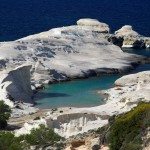 Sarakiniko: The white rocks form a beautiful moonscape