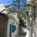 Naxos: A typical back alley, one of many such alleyways