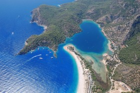 Oludeniz: Aerial view of the beach, lagoon and anchorage