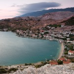 Metajna: The beach, town and anchorage