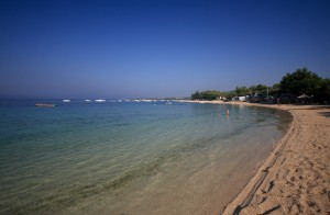 Simuni: The stunning beach not far from the village and marina