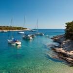 Pakleni Islands: Yachts at anchor