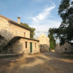 Podaca: Stone built buildings in the village