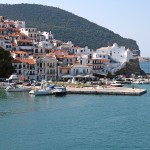 Skopelos Town: Yachts moored on the stubby quay