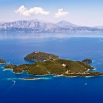 Skorpios: The island is private but there are some usable anchorages