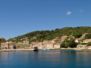 Sudurad: The quay and village