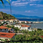 Susak: The village and bay with yachts in the harbour
