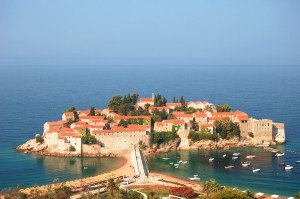Sveti Stefan: The island with beaches either side of the causeway