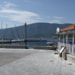 Plaka: The village square and yacht quay