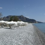 Plaka: The beach and cafe bar