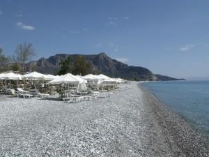 Plaka: The beach and cafe bar