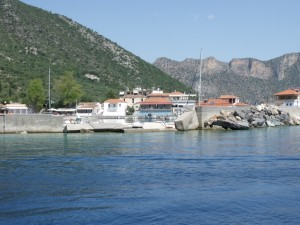 Plaka: Damage to the quay from the 2012 storm