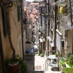 Dubrovnik: Typical back street in the old city